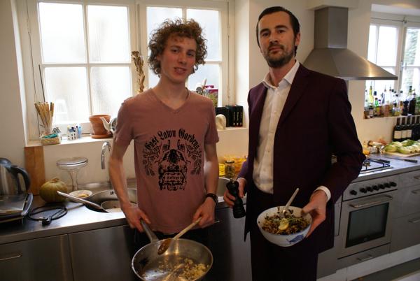 Edial Dekker en Boris Veldhuijzen van Zanten koken voor het eerst samen