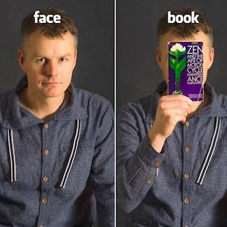 Jaap van de Klomp fotografeert Facebook'ers met hun favoriete boek