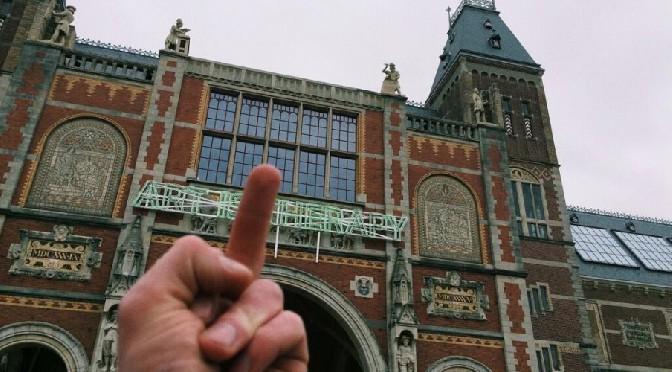 Ga vooral zelf kijken naar Alain de Bottons post-its in het Rijksmuseum