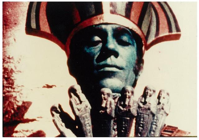 Wanneer jaren zeventig-esthetiek Egyptische mythologie ontmoet